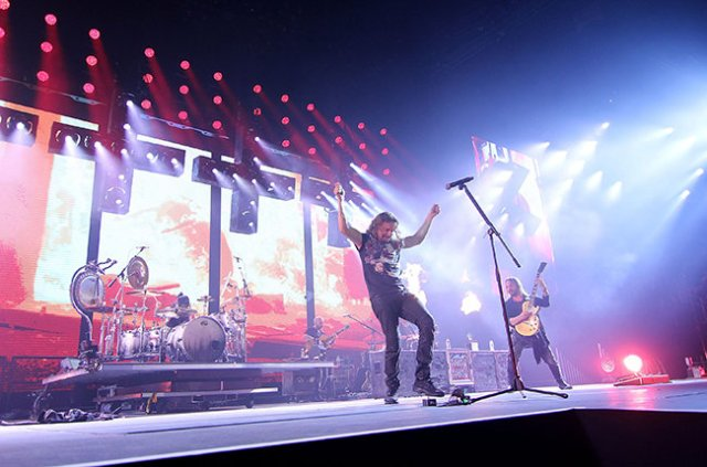 Maná Cama Incendiada Tour Los Angeles Staples Center